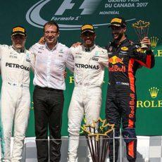 Hamilton, Bottas y Ricciardo comparten podio en Canadá