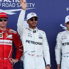Hamilton, Bottas y Räikkönen, los más rápidos en Bakú
