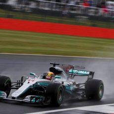 Hamilton, poleman en Silverstone