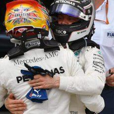 Doblete de Mercedes en Silverstone