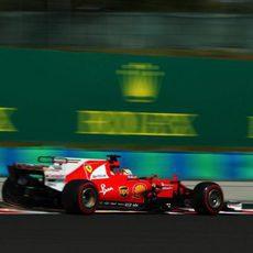 Vettel, a por Mercedes y Red Bull