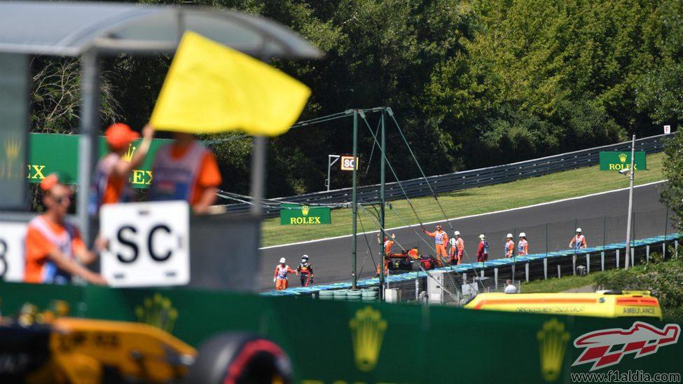 Cartel del Safety Car tras el accidente de Ricciardo