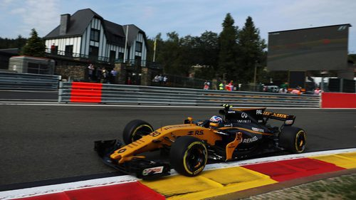 Palmer conduce su RS17 en Spa