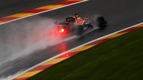 Fernando Alonso en la lluvia de Spa