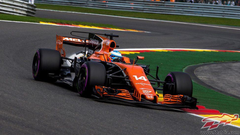 Fernando Alonso durante la clasificación
