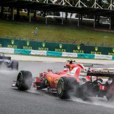 Viernes lluvioso en el GP de Malasia 2017