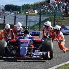 Carlos Sainz abandona