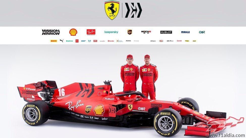 Leclerc y Vettel, junto al SF1000