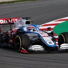 Russell rueda en Barcelona con el FW43