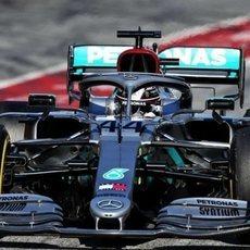 Hamilton en su nuevo Mercedes