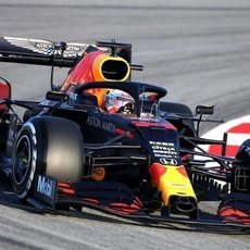 Max Verstappen estrena el RB16