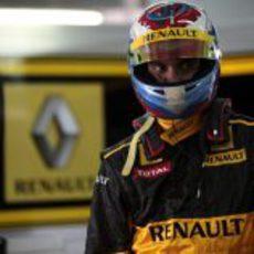 Petrov listo para subirse al R30