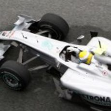 Rosberg, el más rápido del primer día