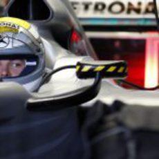 Rosberg sentado en el W01