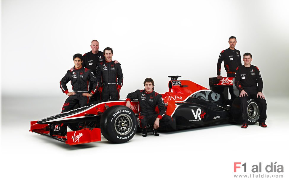 El equipo Virgin Racing al completo