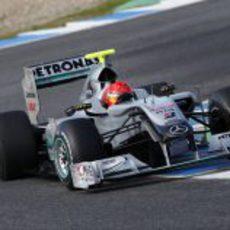 Schumacher da el relevo a Rosberg en Jerez