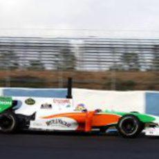 Paul di Resta rueda con el VJM03