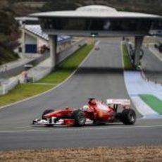 Massa con el Ferrari en Jerez