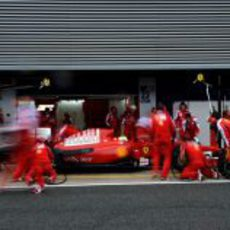 Ensayo de 'pit-stop' para Ferrari