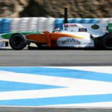 Sutil rueda en seco con el Force India