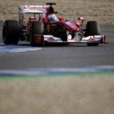 Un Ferrari en el asfalto jerezano