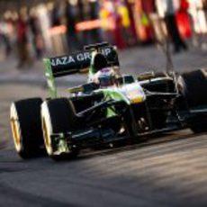 Jarno Trulli en el 'pit-lane'