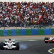 Barrichello se pasa de frenada