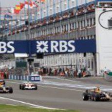 Webber en la recta de meta de Magny-Cours