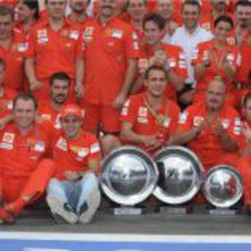 Ferrari celebra su primer y segundo puesto
