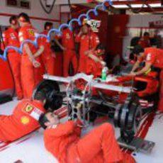 Los mecánicos de Massa