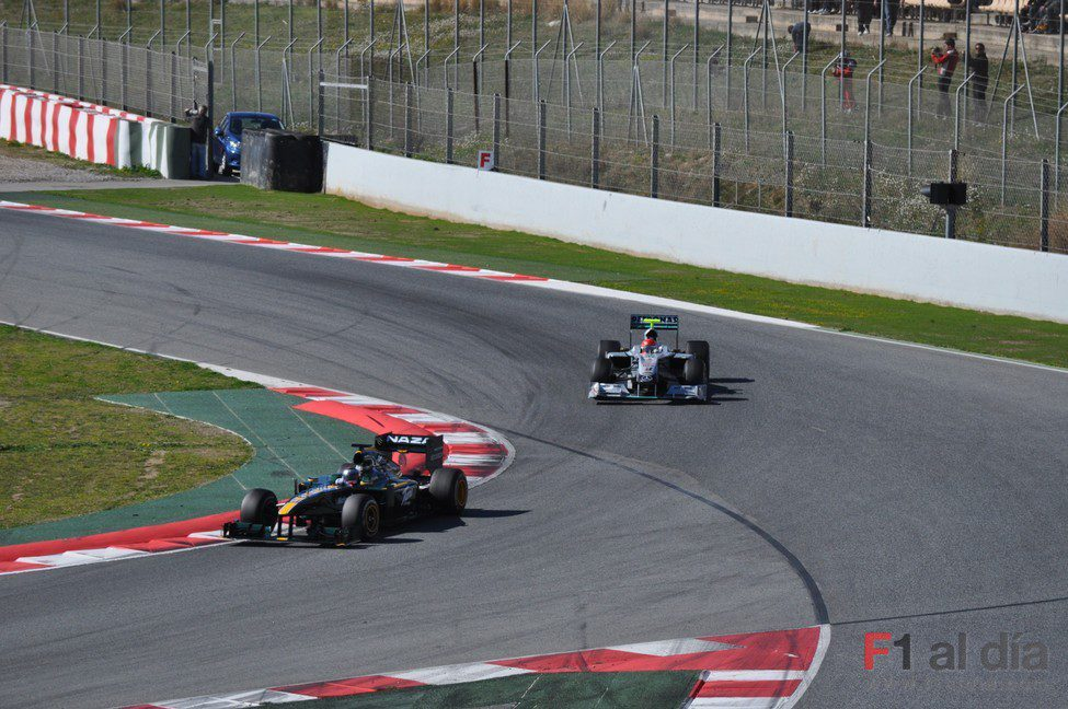 Schumacher persigue a Trulli