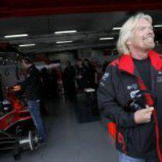 Branson se divierte con su equipo