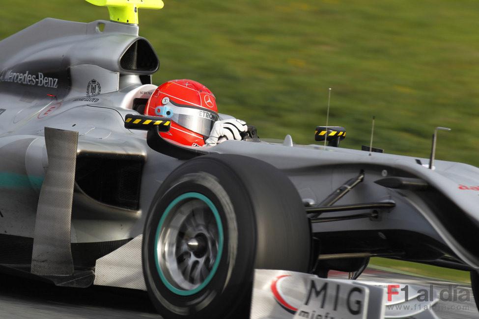 Schumacher apura el último día de test