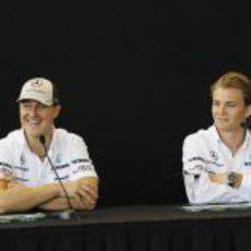 Schumacher y Rosberg en rueda de prensa