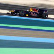 Vettel guarda sus cartas