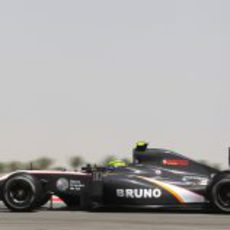 El HRT rueda en pista