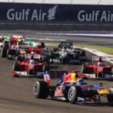 Alonso adelanta a Massa