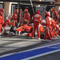 Alonso hace su única parada
