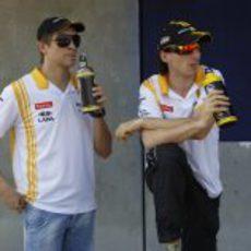 Petrov y Kubica se hidratan