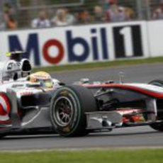 Lewis Hamilton no logra entrar en la Q3