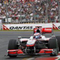 Button busca su primera victoria con McLaren