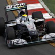 Nico Rosberg vuelve a superar a Schumacher en clasificación