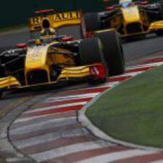 Petrov persigue a Kubica