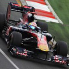 Sebastian Buemi modifica el diseño de su casco para el GP de Australia 2010