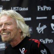 Richard Branson se divierte en Australia