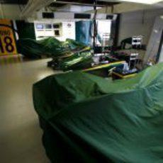 El garaje de Lotus en Australia 2010