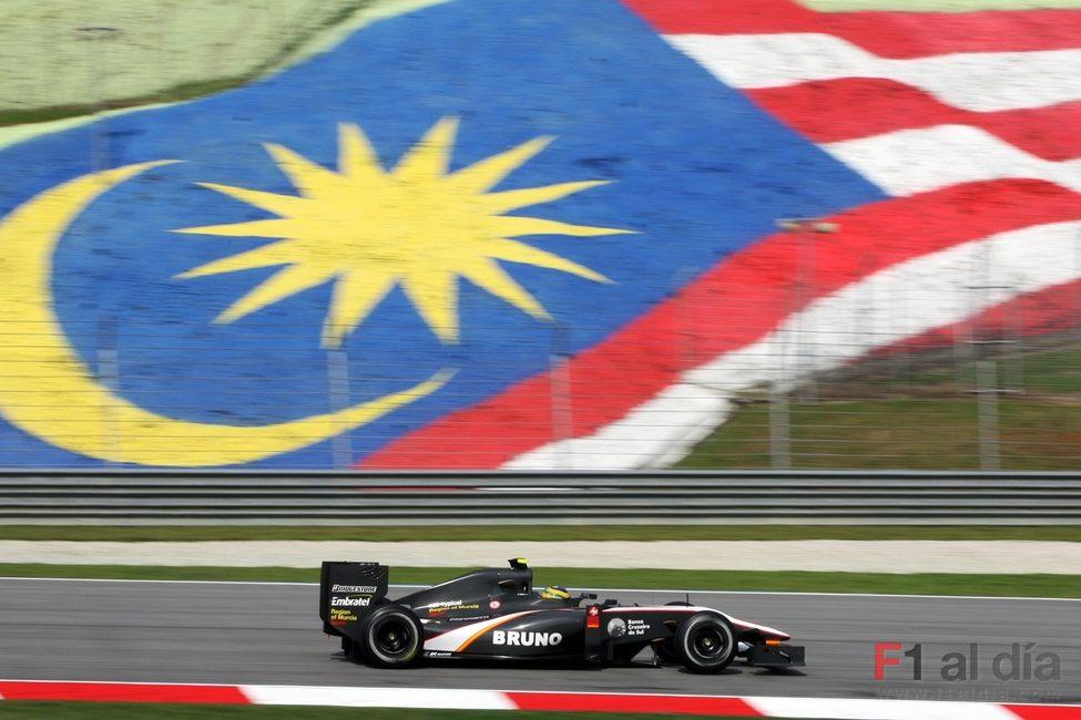 Senna rueda en Malasia