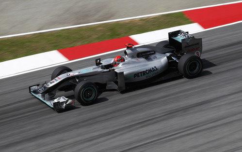 Michael Schumacher vuelve a correr en Sepang