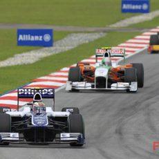 Nico por delante de Liuzzi y Petrov