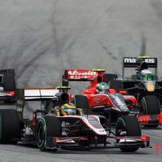 Senna, Di Grassi y Kovalainen luchan por la posición